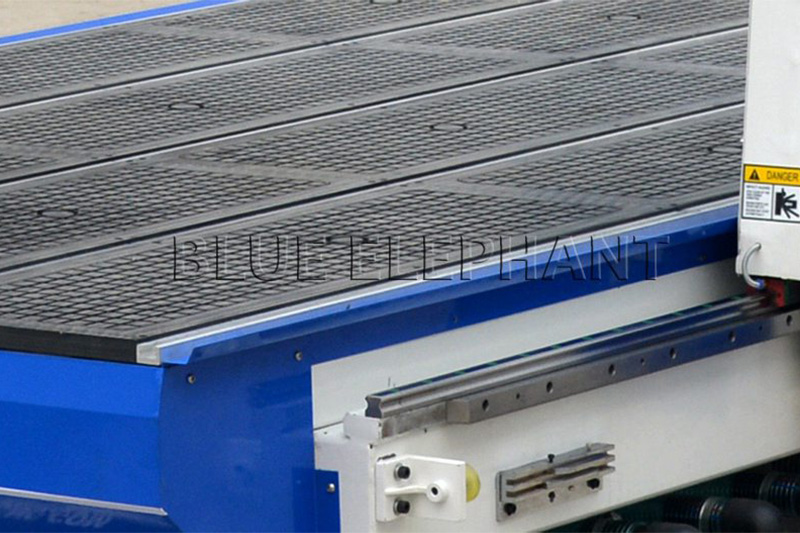 T-slot and vacuum table