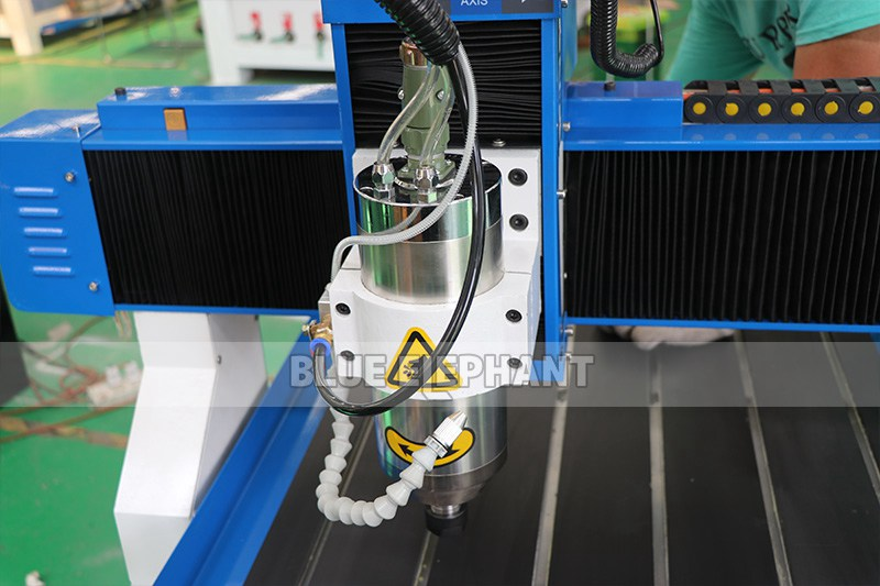 ELECNC-6090 mini-CNC-router voor reclame of hobby (5)