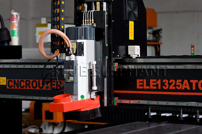 9kw-hsd-air-cooling-spindle-of-1530-4-axis-linear-auto-tool-changer-woodworking-machine