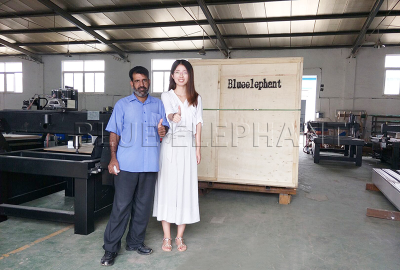 our customer from pakistan visited our factory on july 24th