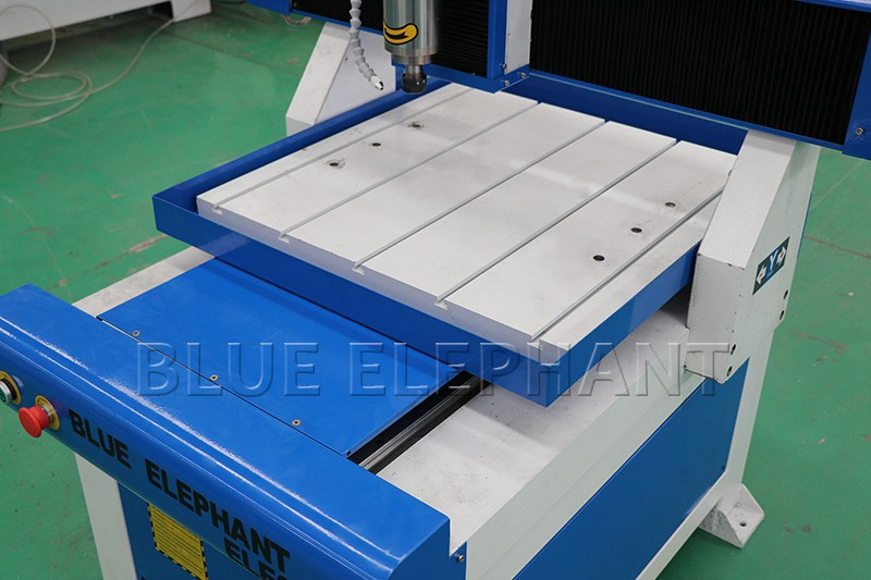 ELECNC 6060 Table Moving Advertising CNC Router 05