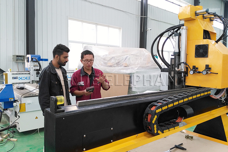 Pneumatic System 3 Spindles Cnc Router with Rotary Device (3)