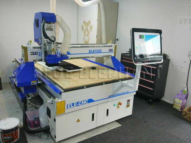 New Zealand customers creative modification of our cnc router-1