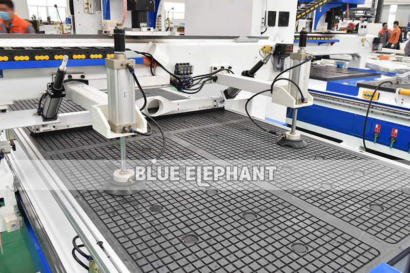 Ele1325 Cnc Router Wood Working Automatic Loading And