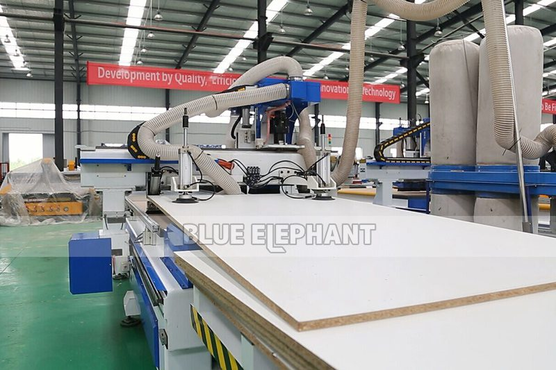 ELE1325 CNC Router Wood Working Automatic Loading and Unloading System Machine (4)