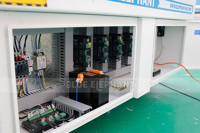 ELECNC-1325 CNC Wood Router Machine for Sale (12)