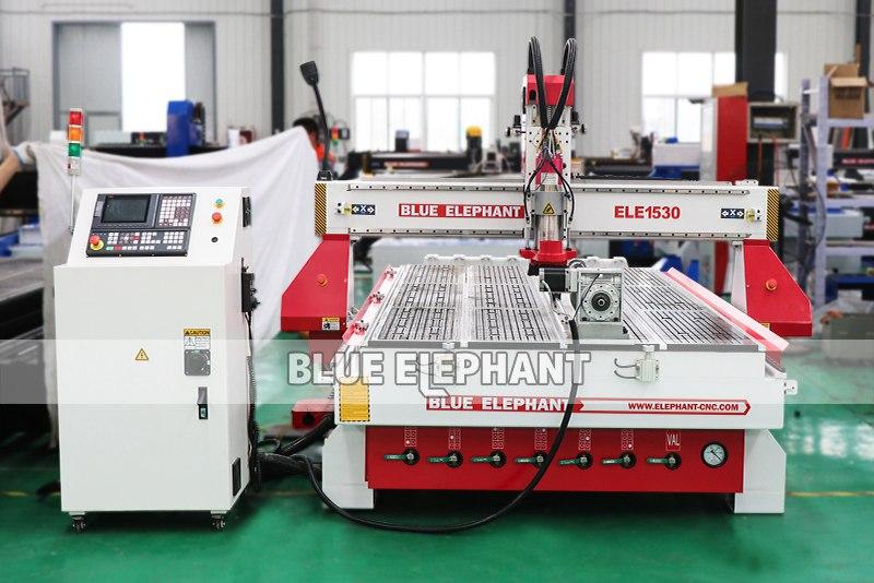 ELECNC-1530 Автоматическая машина для резки дерева 3D 01