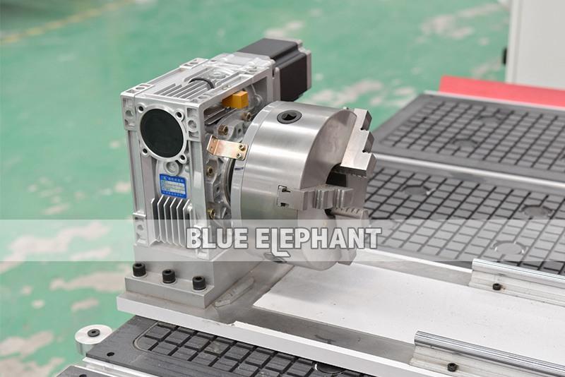 ELECNC-1530 Автоматическая машина для резки дерева 3D04
