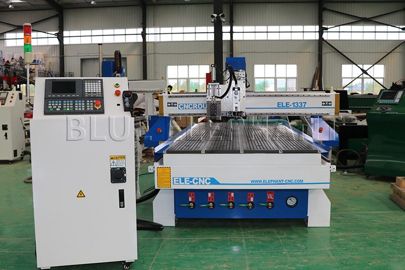 1337 oscillating knife cutting machine in our factory