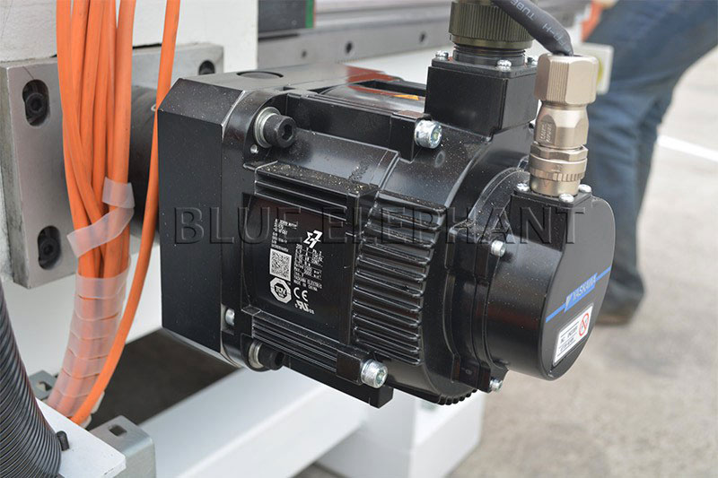 850w yaskawa motor of 2050 oscillating knife cnc cutting machine