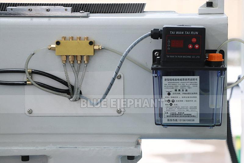 راوتر CNC من الخشب ELECNC-1325 مع مغزل 4 (4)