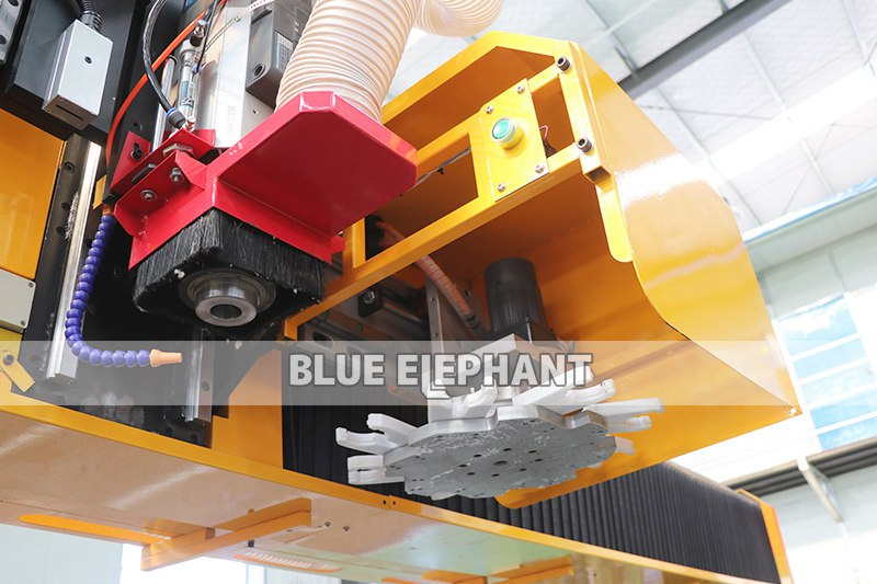 ELECNC-3076 Large Working Size ATC CNC Router03