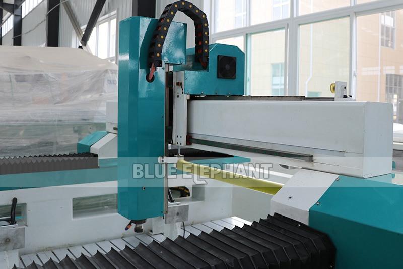 1325 3D Foam Toys Graviermaschine mit Press Roller (4)