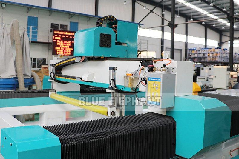 1325 3D Foam Toys Graviermaschine mit Press Roller (5)