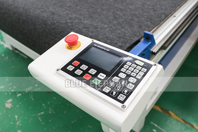 detail 03 for leather cutting machine with cnc oscillating knife
