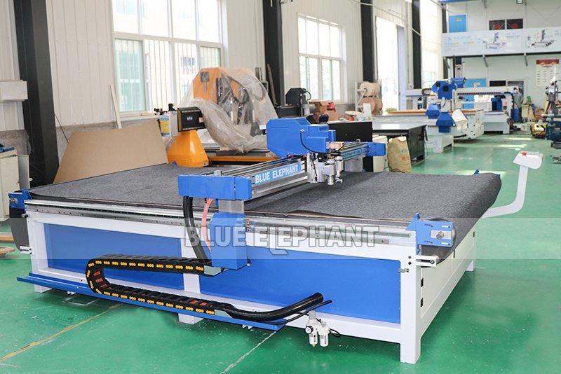 leather cutting machine with cnc oscillating knife 05