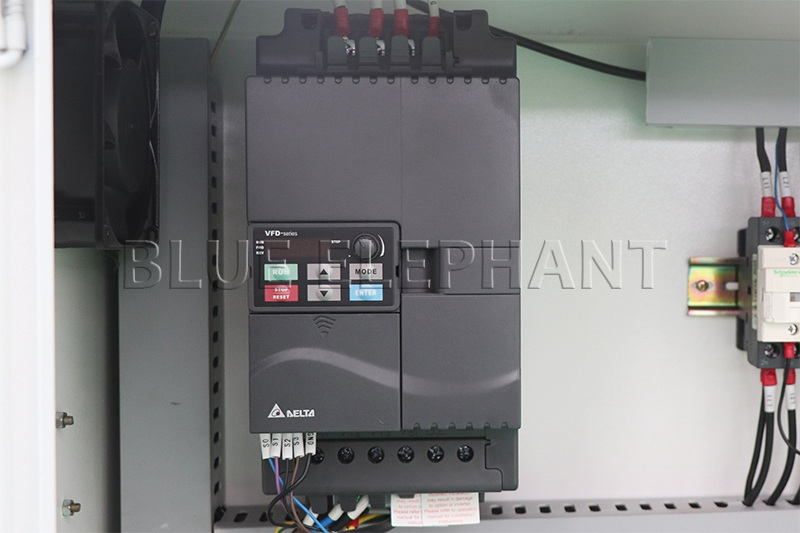 Máquina de enrutamiento de madera CNC ELECNC-1530 3 Axis (12)