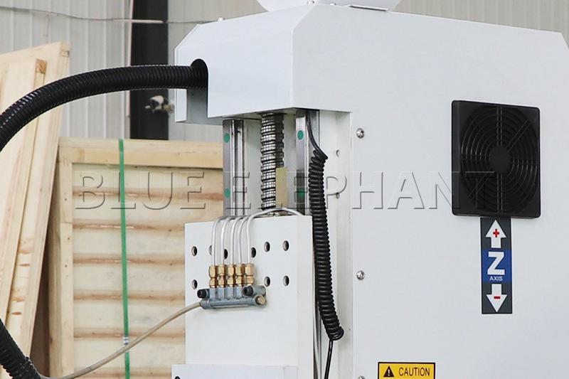 Macchina per fresare il legno CNC Axis-1530 3 Axis (13)