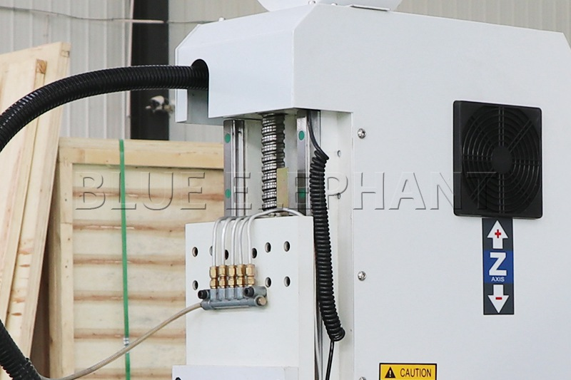 Máquina de enrutamiento de madera CNC ELECNC-1530 3 Axis (13)