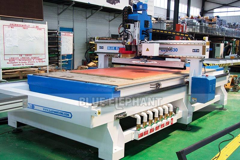 Centros de usinagem CNC Nesting ELECNC-1530 para móveis de madeira (1)