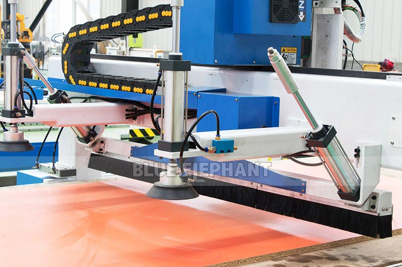 Centros de usinagem CNC Nesting ELECNC-1530 para móveis de madeira (12)