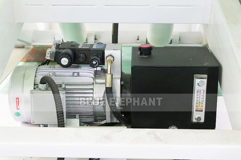Centros de usinagem CNC Nesting ELECNC-1530 para móveis de madeira (27)