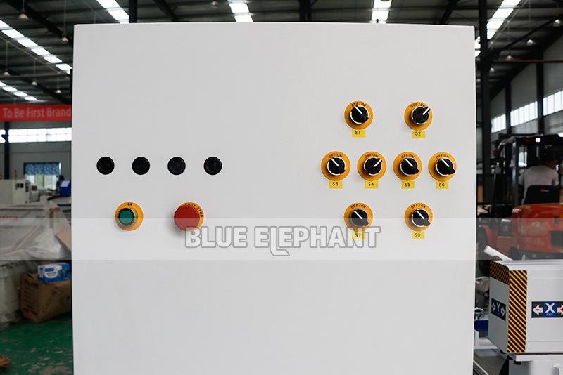 ELECNC-1821 Multi 8 шпиндели Деревообрабатывающий станок с вращающимися устройствами (8)