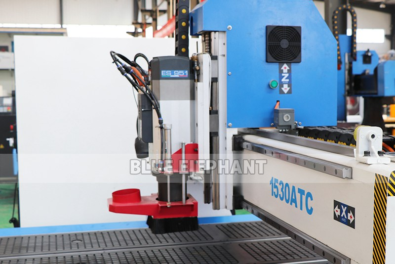 ELECNC-1530 3 Axis ATC Woodworking machine with Linear Tool Changer (3)