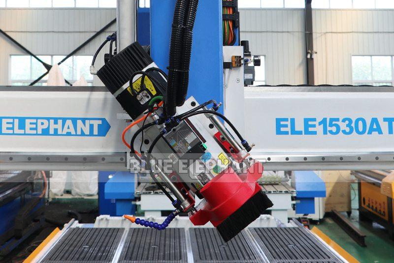 ELECNC-1530 4Axis Деревообрабатывающая машина ATC для гравировки Деревянная скульптура (15)