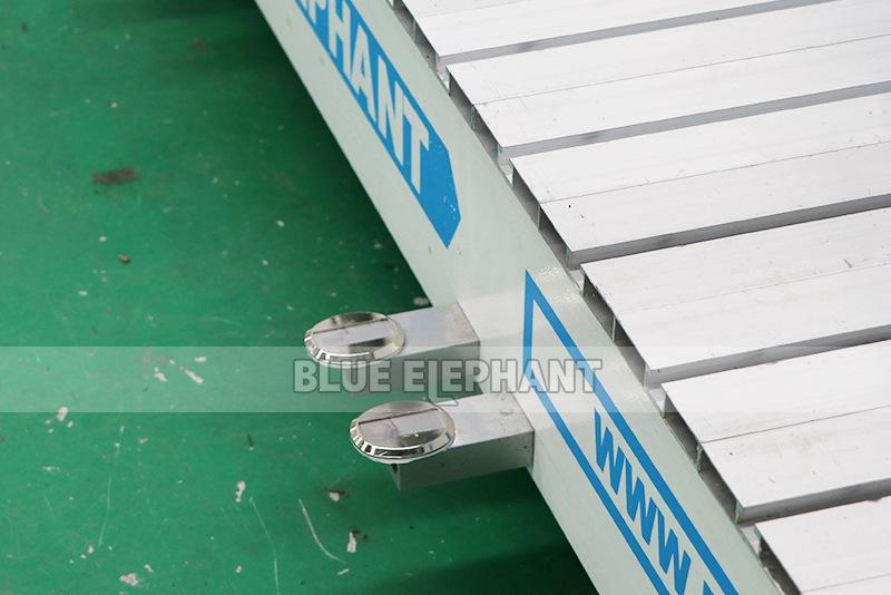 ELECNC-1530 4D Machine de gravure CNC ATC à mousse EPS pour modèles d'avion en bois (6)
