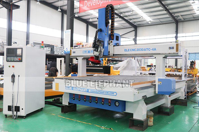 ELECNC-2030 4 Achse Linear ATC CNC Holzschneidemaschine (1)