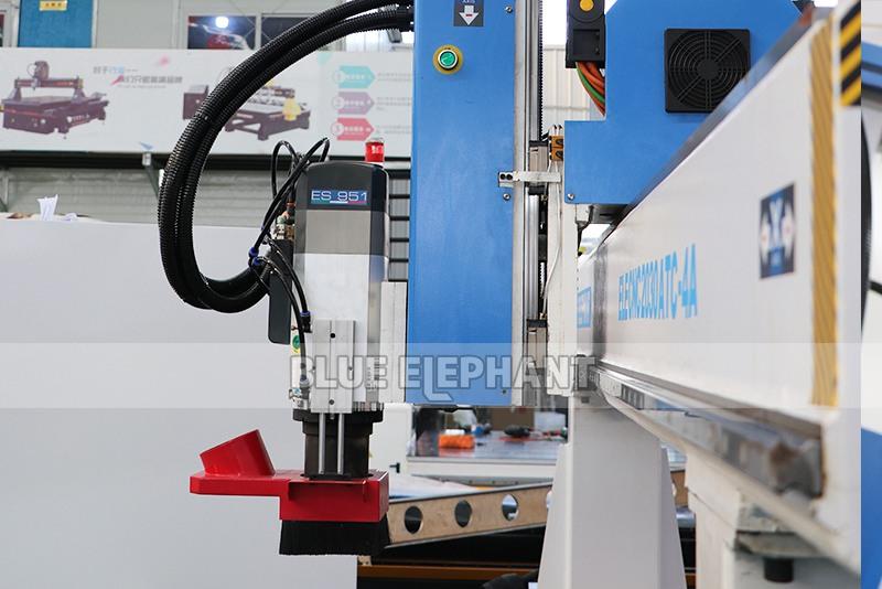 ELECNC-2030 4 Axis Linear ATC CNC Wood Cutting Machine (9)