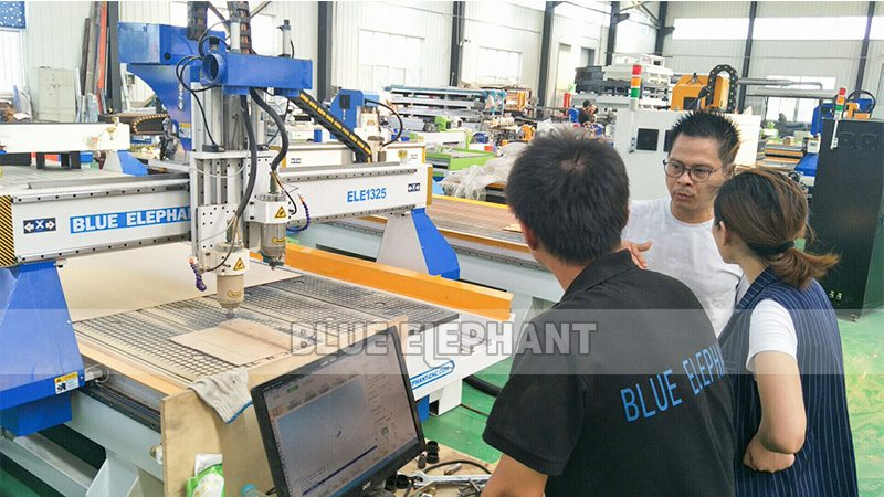 Indonesian customer visiting for Multi Spindle Woodworking Machines (4)