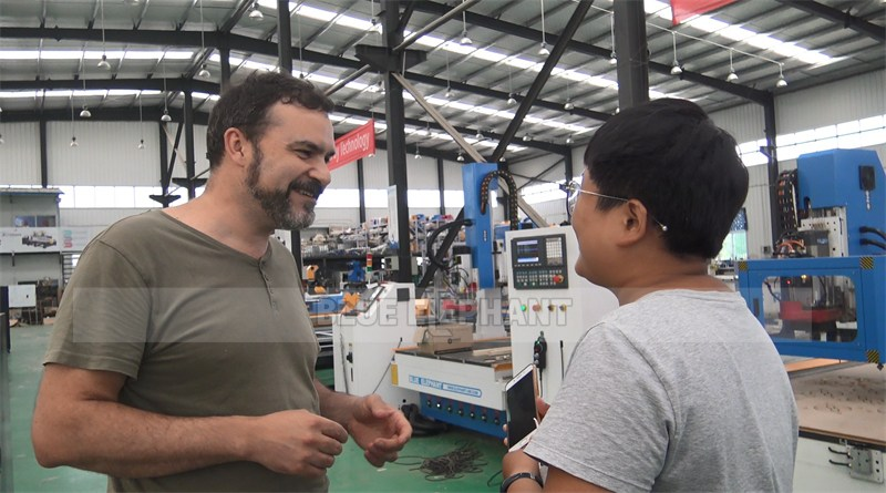 Italian customer to test Linear ATC CNC Machine and receive training (2)