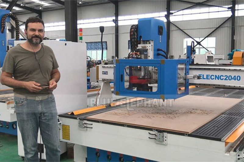 Italian customer to test Linear ATC CNC Machine and receive training (5)