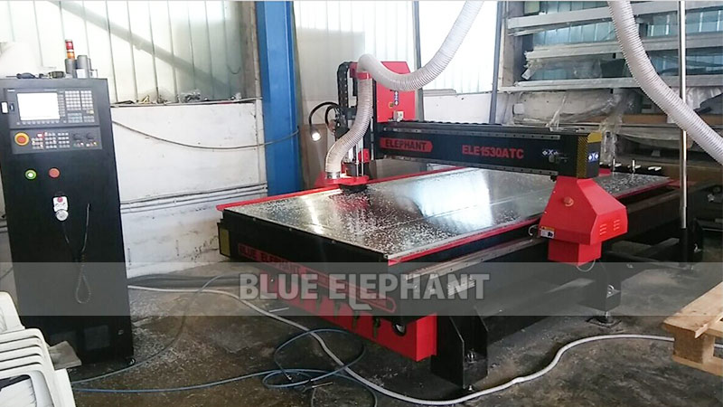 Online Training for Slovenian Customer, 1530 3 Axis Linear ATC Woodworking Machinery (1)