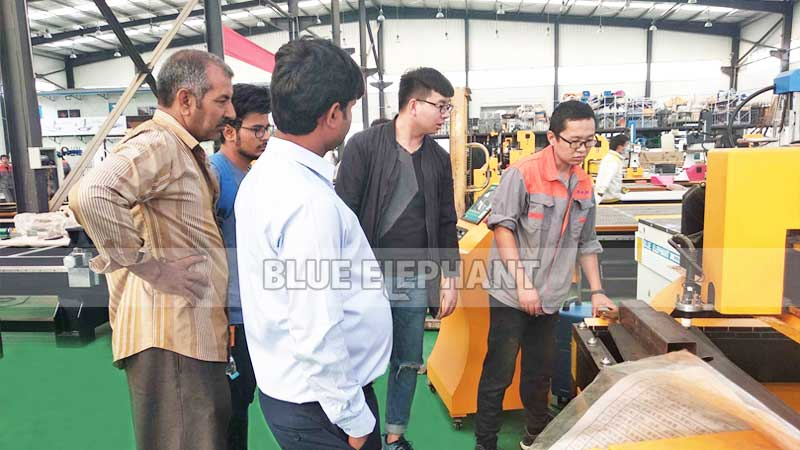 Indian Customer Visits Blue Elephant for 1325 CNC Wood Carving Engraver Machine (8)