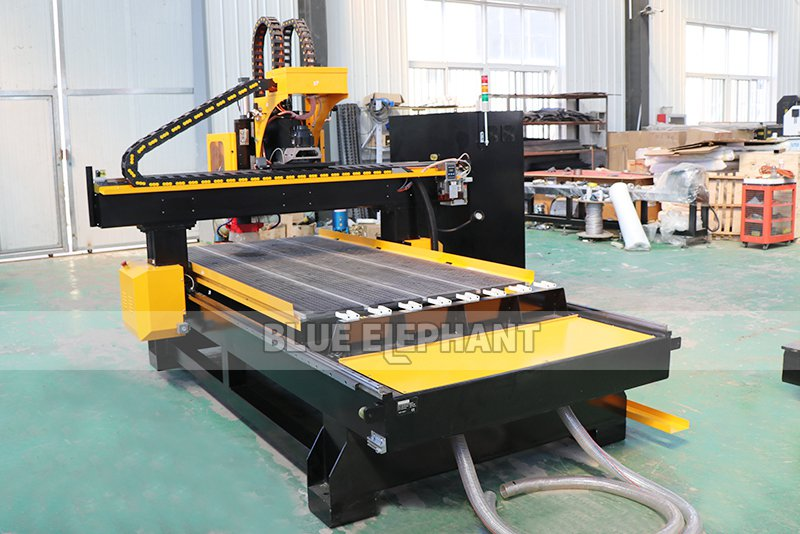 1325 atc cnc cutter woodworking machinery with drilling holes (5)