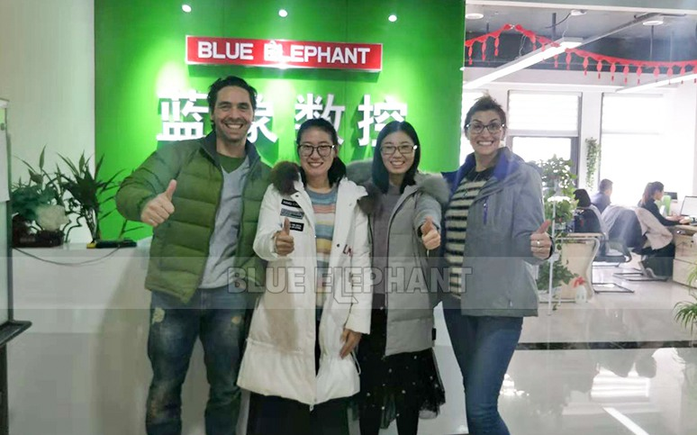 New Zealand customers visited and selected us, 1325 Multi-spindles CNC Wood Cutting Machine (2)