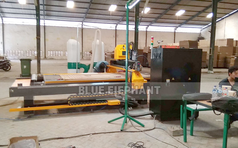 Technical Supports in Indonesia, 1530 ATC Wood Carving Machine with Linear Magazine (11)