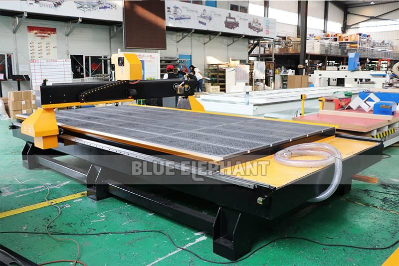 Chinesische CNC-Maschine 2040 Holzschnitzmaschinen für Holzmöbel (10)