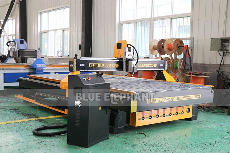 Chinesische CNC-Maschine 2040 CNC-Holzschnitzmaschinen für Holzmöbel (9)