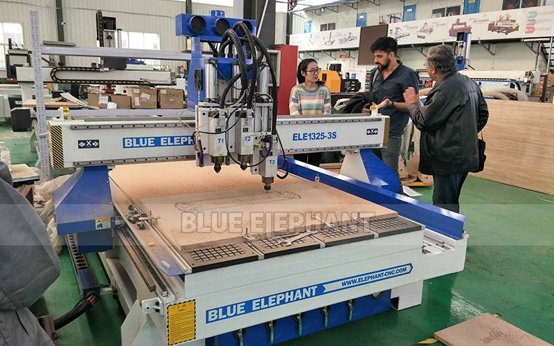 Israeli Customers visit for multi spindle woodwork machin (4)