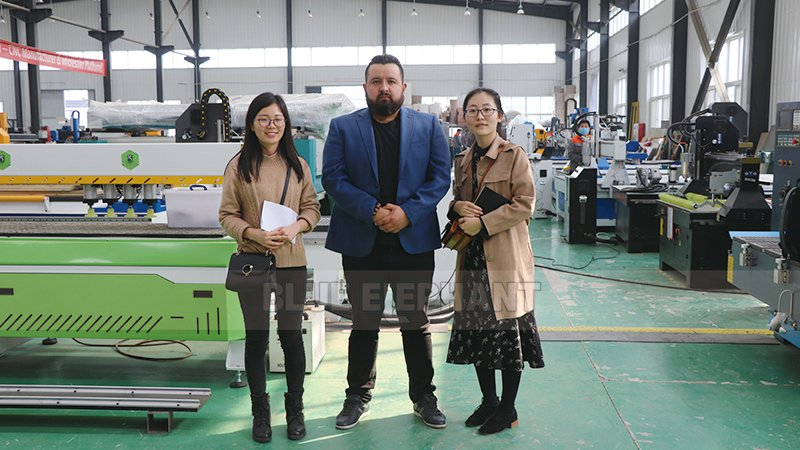 Mexican Customer Come to Visit Our Factory and Purchased Our 1325 CNC Machine (1)