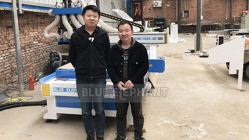Kundendienst in China Henan, Kunde kaufte unsere vier Maschinen (3)