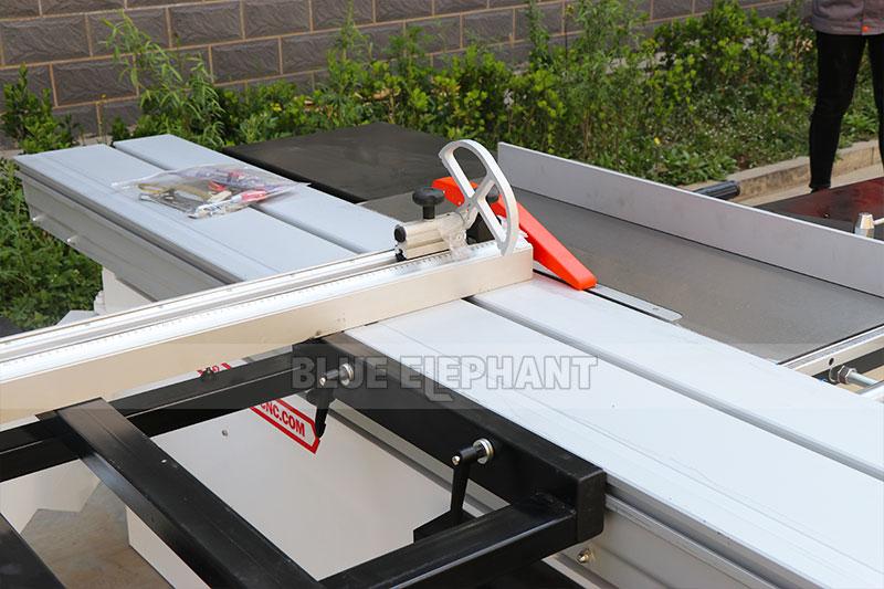 Precision cutting board saw4