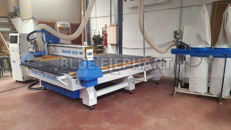 Spanischer Kunde hat uns Feedback zu unserer 2030 CNC-Maschine (3) geschickt
