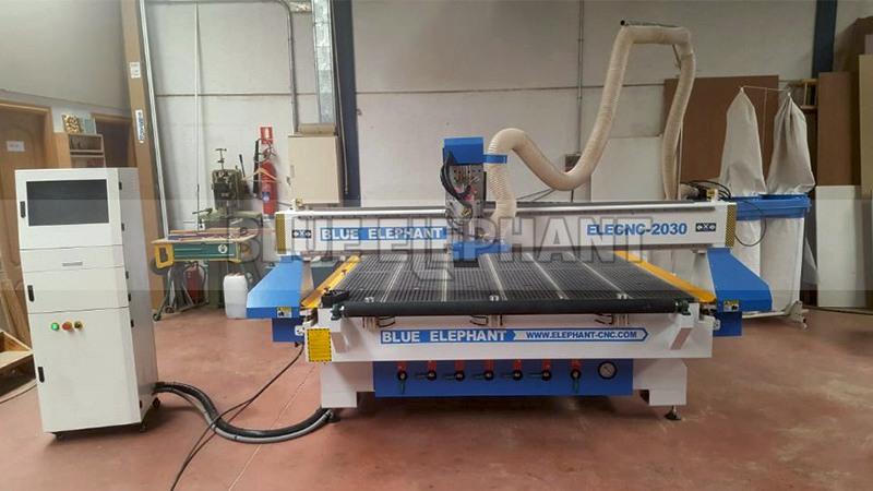 Spanischer Kunde hat uns Feedback zu unserer 2030 CNC-Maschine (5) geschickt