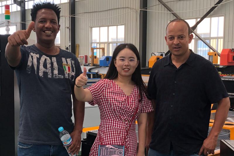 Blue Elephant verwelkomt Ethiopische klanten om te bezoeken