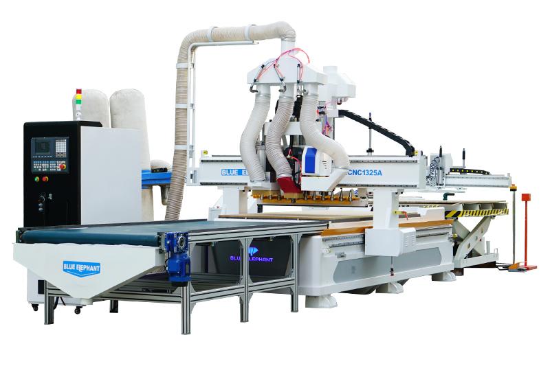 Automatisches Be- und Entladen der Nesting-CNC mit automatischer Beschriftung